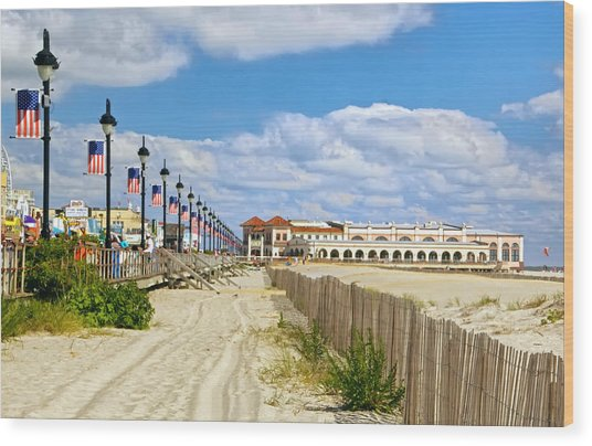 Boardwalk And Music Pier Wood Print