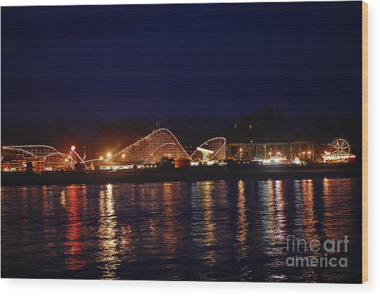 Santa Cruz Boardwalk At Night Wood Print