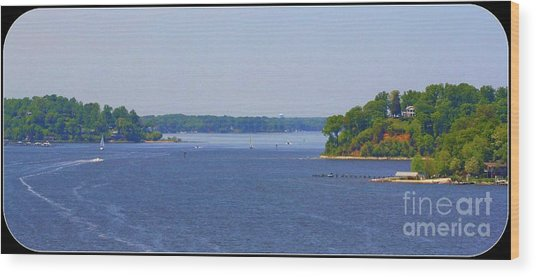 Boating On The Severn River Wood Print