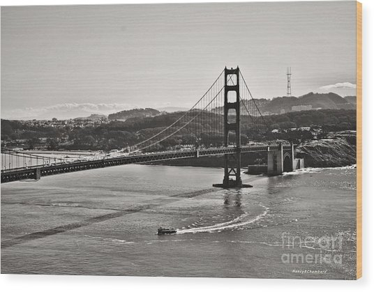 Boating Under The Golden Gate Wood Print