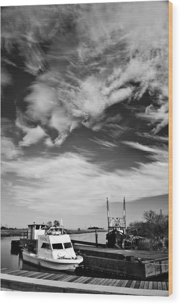 Boats And Sky Bw Wood Print