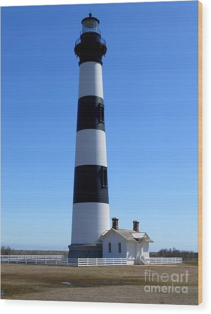Bodie Island Lighthouse Wood Print by Lesley Giles