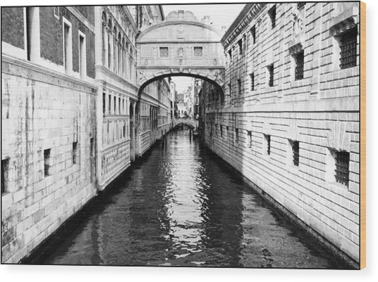 Bridge Of Sighs Bw Wood Print
