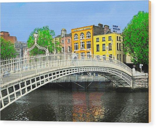 Bridge To Dublin Wood Print