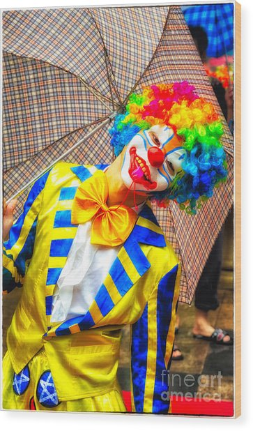 Brightly Dressed Clown With Umbrella Wood Print