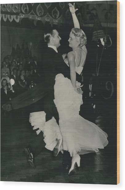 Brit I H Pajr Wins Dancing Grand Prix Wood Print by Retro Images Archive