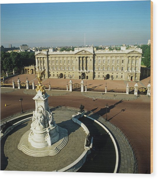 Buckingham Palace Wood Print by Skyscan/science Photo Library