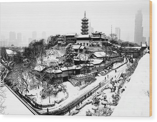 Buddha - Jiming Temple In The Snow - Black-and-white Version  Wood Print