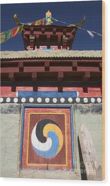 Buddhist Symbol On Chorten - Tibet Wood Print