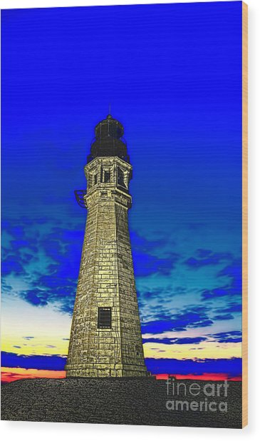 Buffalo Harbor Lighthouse At Sunset Wood Print