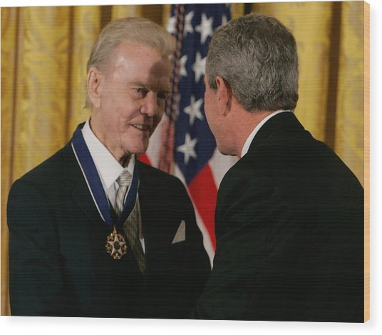 Bush Honors Presidential Medal Of Freedom Recipients Wood Print by Mark Wilson