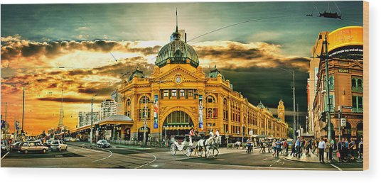 Busy Flinders St Station Wood Print