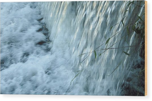 By The Weir Dam Wood Print