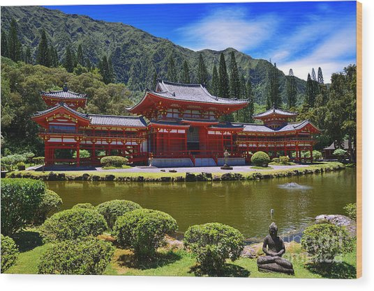 Byodo-in Temple On The Island Of Oahu Hawaii Wood Print