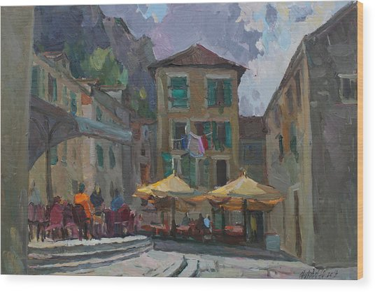Cafe In Old City Wood Print