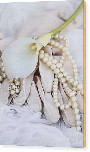 Calla Lily With Pearls Wood Print