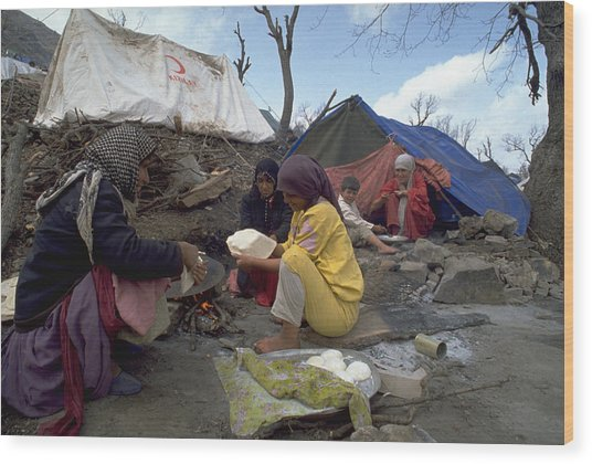 Camping In Iraq Wood Print