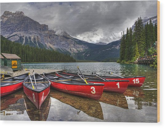 Canoes On Emerald Lake Wood Print