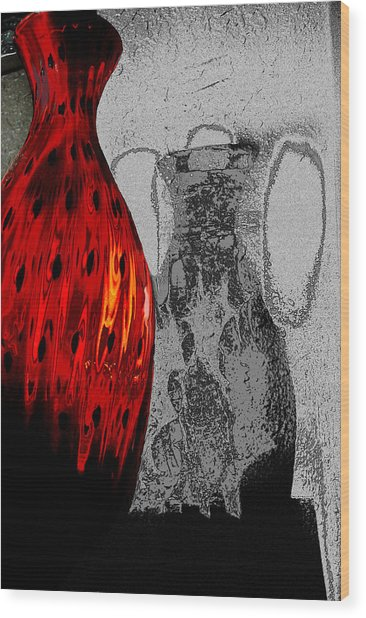 Carmellas Red Vase 2 Wood Print