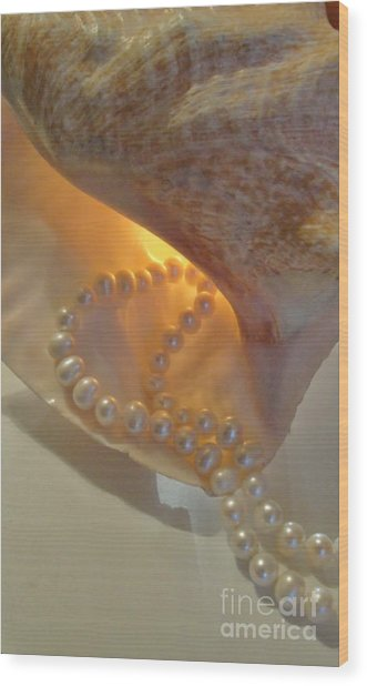 Cascading Pearls Wood Print