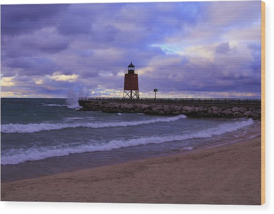 Charlevoix Lighthouse Sunset 1 Wood Print