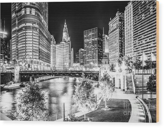 Chicago River Buildings At Night In Black And White Wood Print