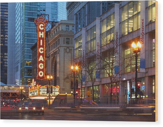 Chicago Theater At Dusk Wood Print by Rainer Grosskopf