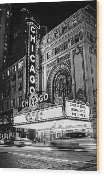 Chicago Theatre Marquee Sign At Night Black And White Wood Print