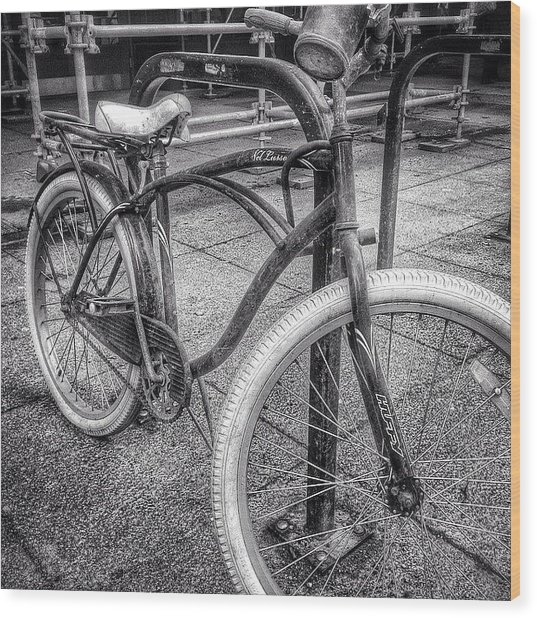 Locked Bike In Downtown Chicago Wood Print by Paul Velgos