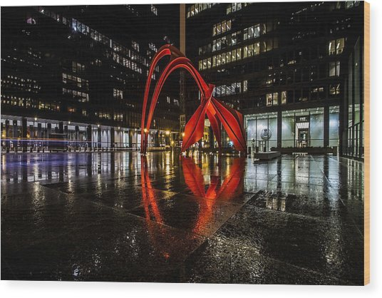 Chicago's Red Flamingo On A Rainy Night Wood Print
