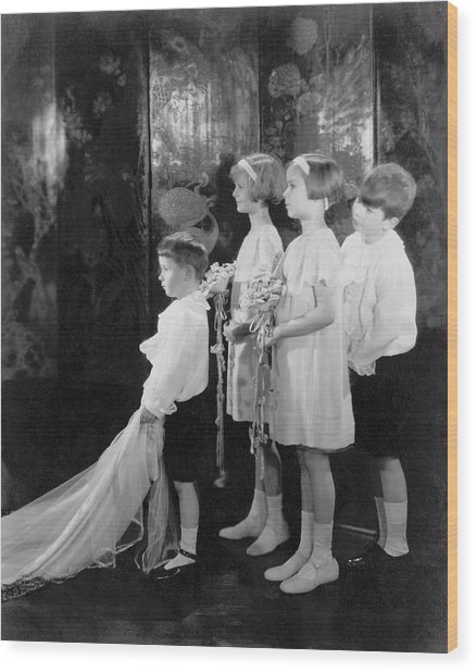 Children In A Wedding Procession Wood Print by Edward Steichen