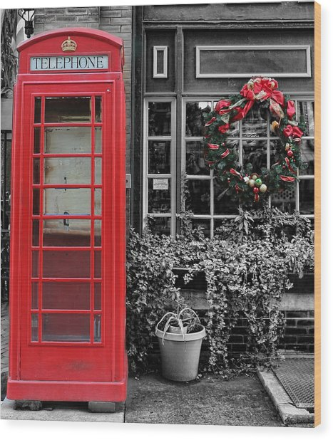 Christmas - The Red Telephone Box And Christmas Wreath IIi Wood Print