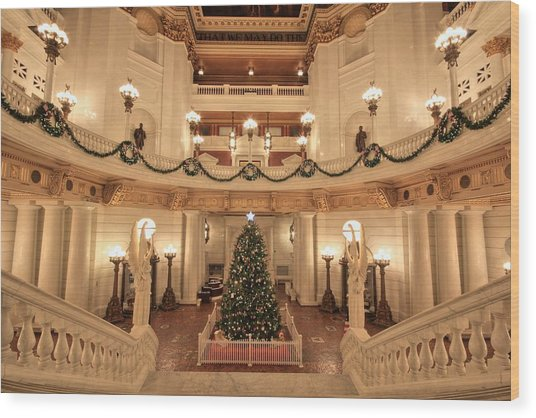 Christmas In The Rotunda Wood Print
