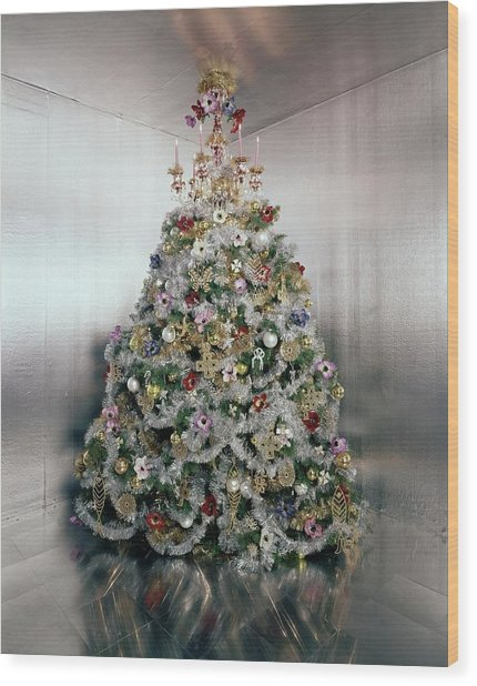Christmas Tree Decorated By Gloria Vanderbilt Wood Print