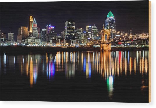 Cincinnati Skyline In Christmas Colors Wood Print