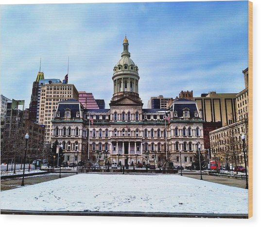 City Hall In Baltimore Wood Print