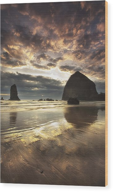 Clearing Skies At Cannon Beach Wood Print by Andrew Soundarajan