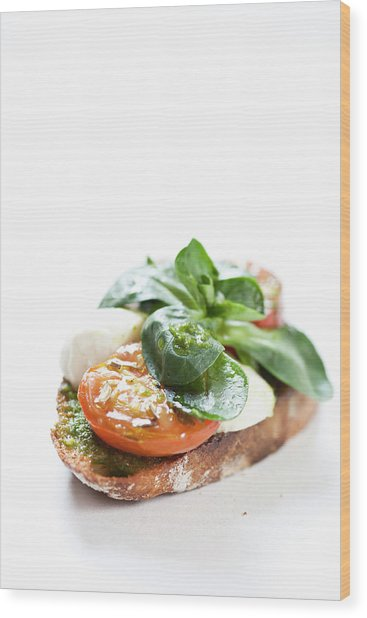 Close Up Of Bread With Cheese And Tomato Wood Print by Henn Photography