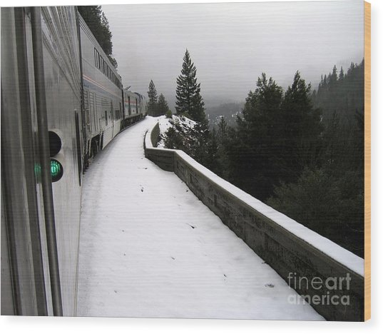 Coast Starlight In The Mountains Wood Print