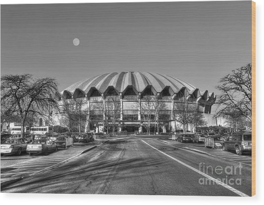 Coliseum B W With Moon Wood Print