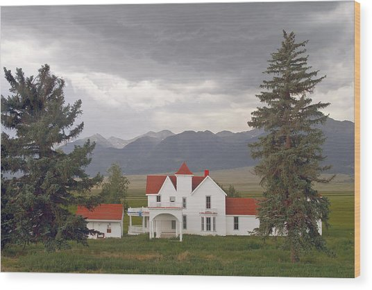 Colorado Farmhouse Photo Wood Print by Peter J Sucy