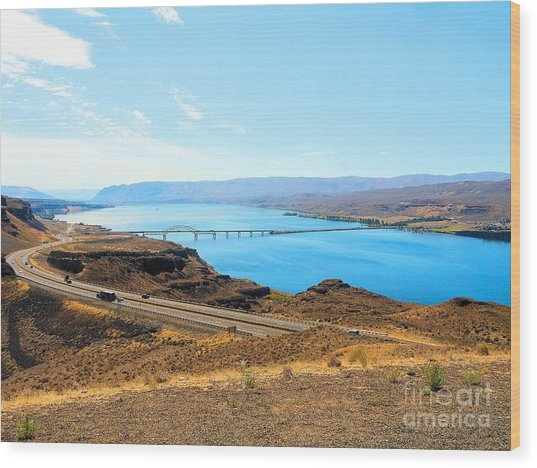 Columbia River From Overlook Wood Print
