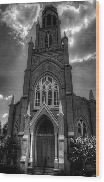 Congregation Mickve Israel Savannah Georgia In Black And White Wood Print