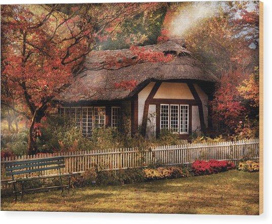 Cottage - Nana's House Wood Print