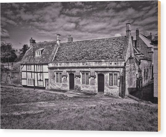 Cottages Devizes -1 Wood Print