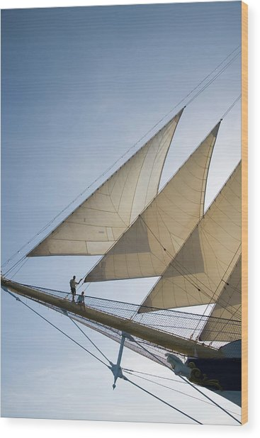 Couple On Bowsprit Of Royal Clipper Wood Print