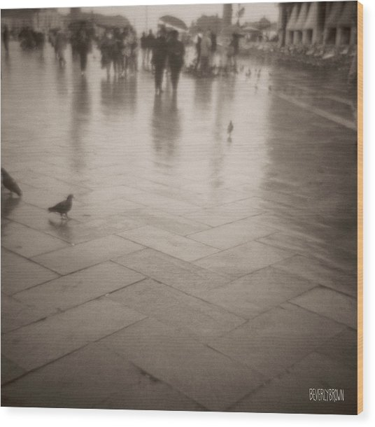 Couple Walking In The Rain San Marco Wood Print by Beverly Brown