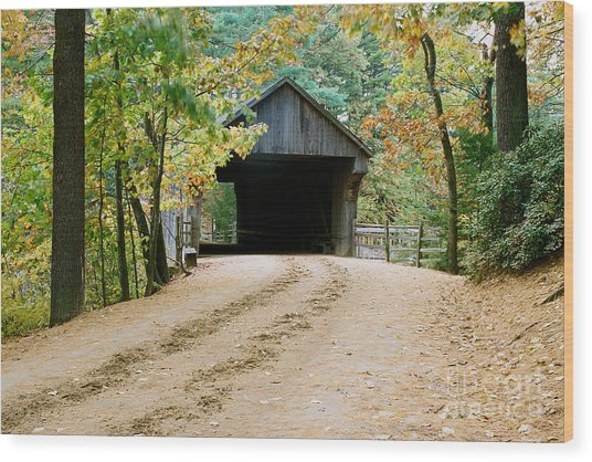 Covered Bridge In October Wood Print