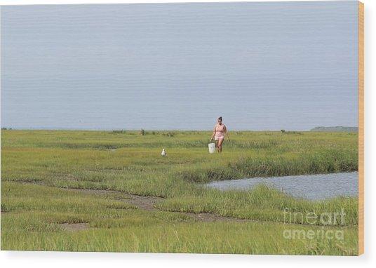 Crabbing At Mystic Island Wood Print