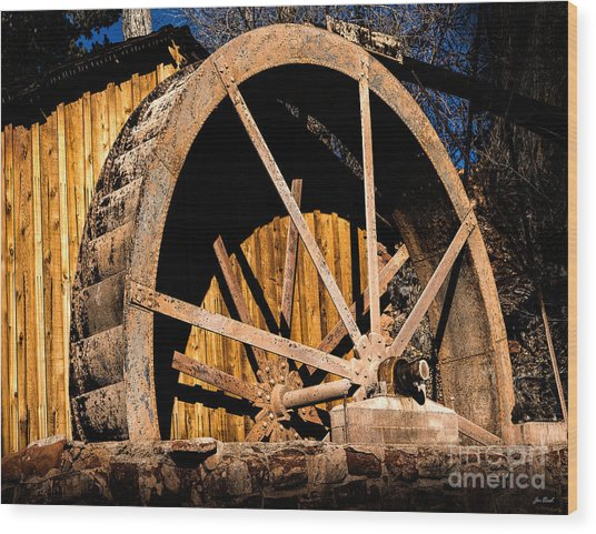 Old Building And Water Wheel Wood Print